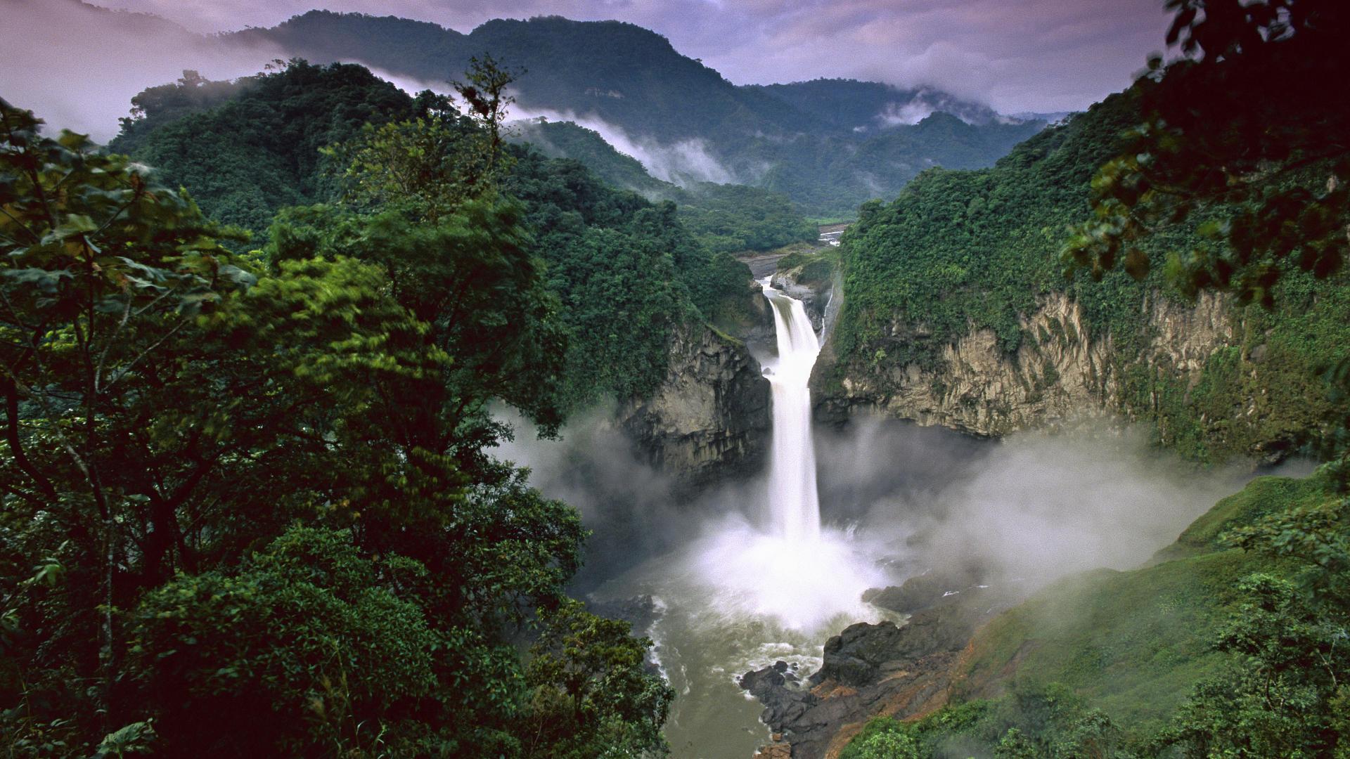 http://geographyofrussia.ru/wp-content/uploads/2009/04/San-Rafael-Falls-Quijos-River-Amazon-Ecuador.jpg