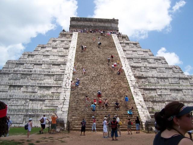 Тайны пирамид майя