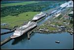 Что соединяет Панамский канал?