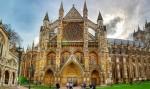 Где короновали британских монархов?